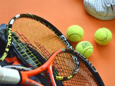 Belediyenin eski şantiyesinin yerine, Tenis Akademisi yapacaklarını açıklayan Soner Çetin,