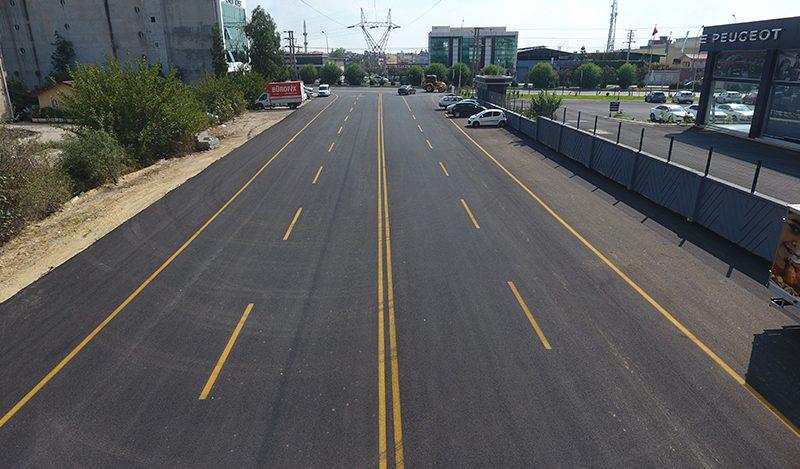 Sorumluluk alanlarımızdaki tüm yolları sıcak asfalt yapmayı hedefliyoruz. Yüreğir'de stabilize yol tarihe karışacak. Bütün ekiplerimiz ile sahalardayız