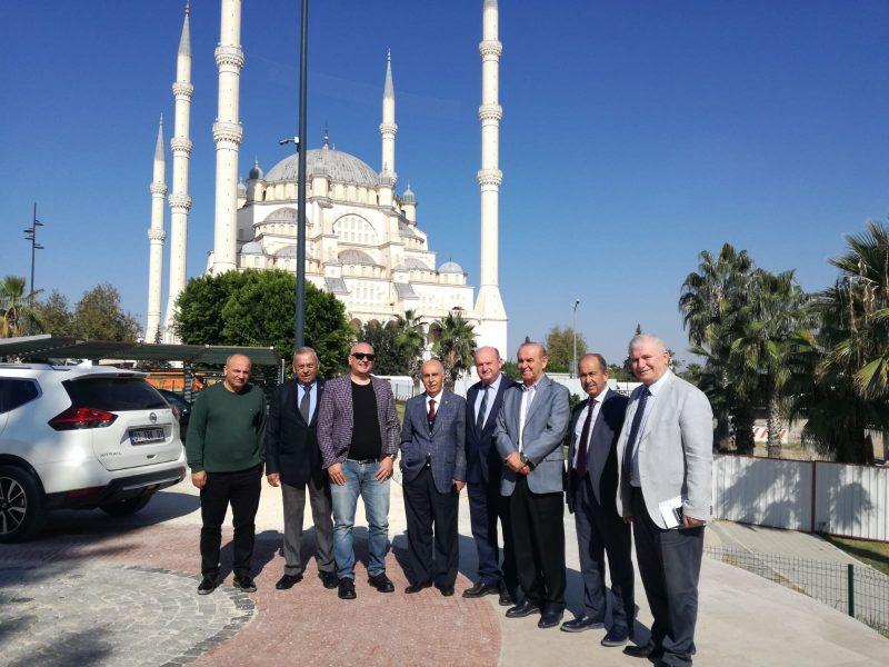 ÇGC Kültür ve Sosyal tesislerini de çok beğenen Parmaksız, böyle güzel bir tesisin Adana'ya kazandırılmasından mutluluk duyduğunu ifade ederek, ''Manzarası ve konumu ile çok güzel ve Adana basınına yakışan bir tesis. Bu tesisi kazandıran Cafer Esendemir ve arkadaşlarını kutluyorum''dedi.
