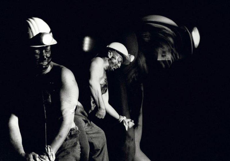 O yıllarda Santra Barbara adındaki kişinin Roma askerlerinden kaçıp madencilere sığınması ile başlar. Burada madenciler ile çalışan Santra kısa zaman içinde sevilen biri olarak herkesin tanıdığı bir insan halini alır.