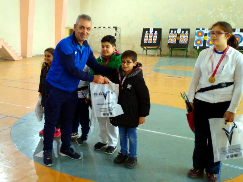 Kiremithane Mesleki ve Teknik Anadolu Lisesi Spor Salonunda düzenlenen müsabakalara 42 sporcu katıldı