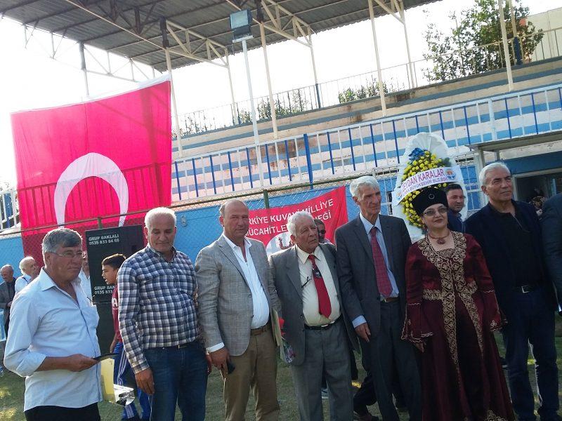 Bayram Uğur; türkü sözlerinin en geç 2 Mart 2020 tarihine kadar yasaryiltan@gmail.com adresine ulaştırılmasına gerektiğine dikkat çekti.