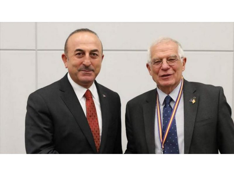 Yüksek Temsilci Borrell ve Dışişleri Bakanı Çavuşoğlu, bölgenin istikrarını ve dolayısıyla Avrupa Birliği'nin güvenliğini etkileyen bu acil meselelerle ilgili olarak temasın sürdürülmesi konusunda mutabık kaldı.