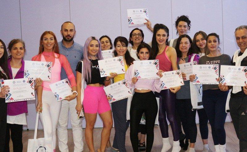 Türkiye'ye Ulusal Yoga Federasyonu (ULUYOF) tarafından getirilen IYEC programı, Gelişim Üniversitesi tarafından onaylanarak eğitim programına dâhil edildi.