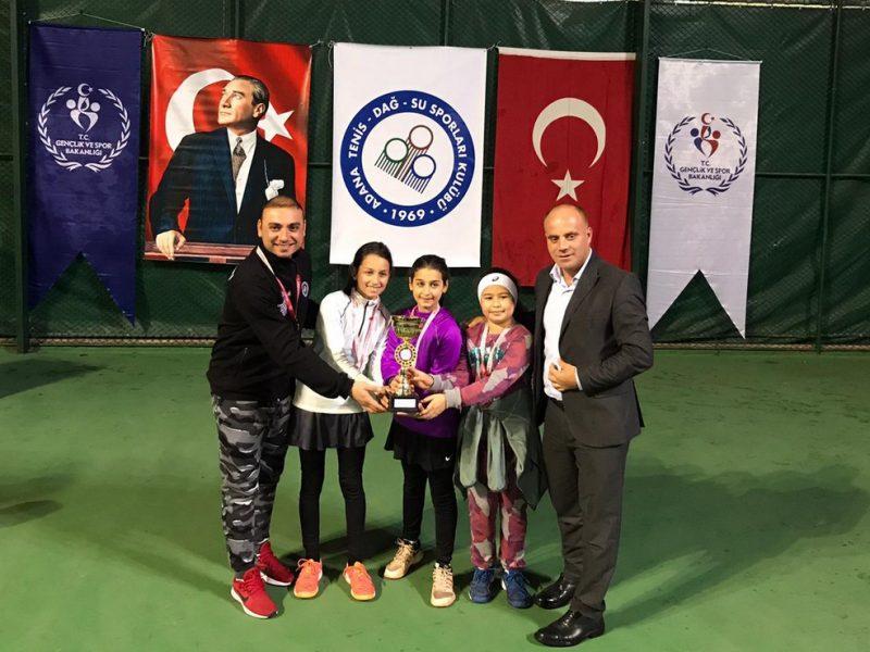 Step Aerobik Cimnastik Müsabakaları Yüreğir Spor Salonu'nda gerçekleşirken, Küçükler Tenis Turnuvası Adana Tenis Dağcılık Spor Kulübü Tesislerinde yapıldı. Öğrenci velileri ile sporseverler etkinliklere büyük ilgi gösterdiler.