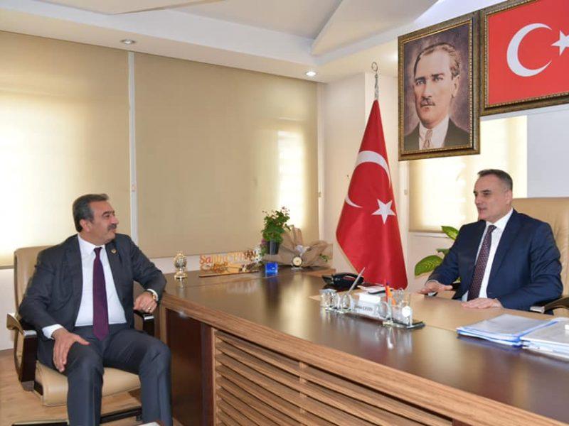 Çukurova Belediye Başkanı Soner Çetin, AK Parti Çukurova İlçe Başkanı Şahin Çetin'e iade-i ziyarette bulundu.