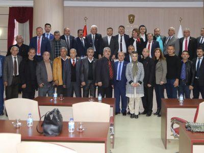 Kuzey Kıbrıs Türk Cumhuriyeti'nde görev yapan muhtarlar Yüreğir Belediye Başkanı Fatih Mehmet Kocaispir'i makamında ziyaret etti.