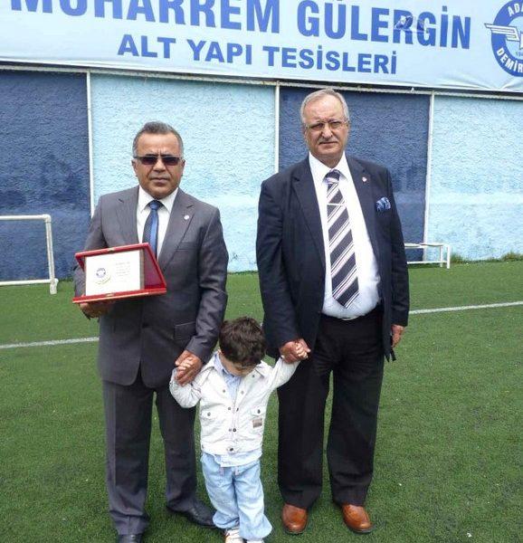 Adana Demirspor'u çok sevmesinden dolayı, bu onurlu görevi kabul etti.