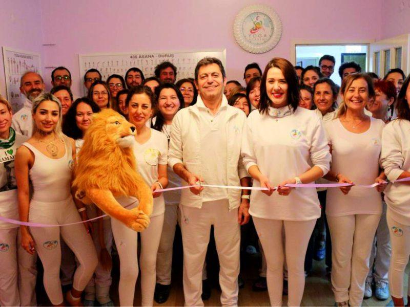 Uluslararası Yoga Federasyonu (UYF) yetkilileri ise en yakın Uluslararası Yoga Şampiyonası'nın önümüzdeki Ağustos ayında gerçekleşeceği bilgisini verdiler.