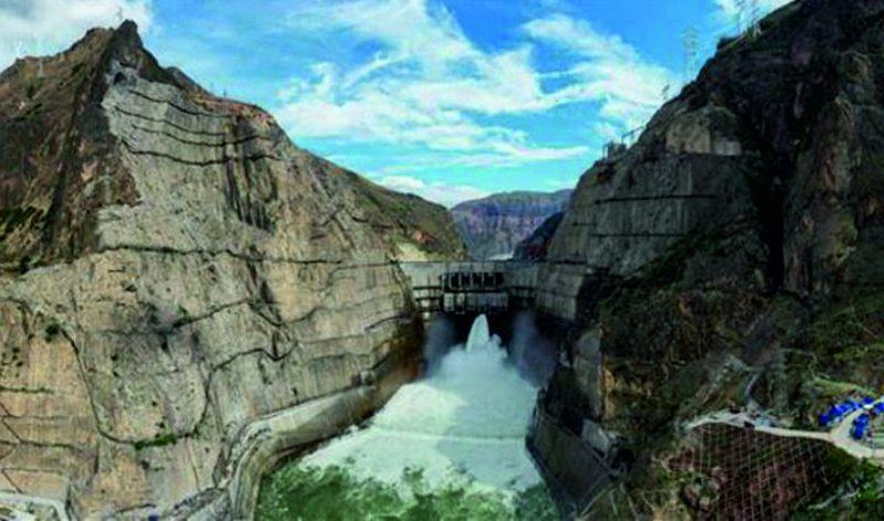 Wudongde Hidroelektrik Santrali, Çin'in güneyindeki Yunnan ve Sichuan eyaletlerinin sınırında yer alan ve Yangtze Nehri'nin üst kesimi olan Jinsha Nehri'nde inşa edildi. Aralık 2015'te inşasına başlanan hidroelektrik santralinin bütün jeneratörlerinin kurulu gücü, 10 milyon 200 bin kilovata ulaşacak.
