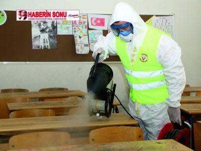 Küresel salgın Koronavirüs ile mücadelesini her alanda sürdüren Yüreğir Belediyesi bu kapsamda 14 Haziran Pazar günü yapılacak olan 2020-MSÜ sınavı öncesi ilçe genelinde sınavın yapılacağı okullarda dezenfekte ve temizlik çalışması yaptı.