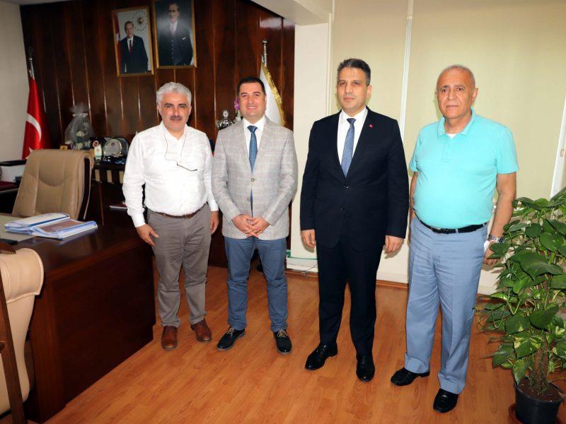 Sohbet ortamında gerçekleştirilen ziyaret sırasında konuşan Başsavcı Yurdagül, Göreve geldiği ilk günden bu yana Adana'da adaletin tesisini sağlamak adına önemli çalışmalarda bulunduğunu belirtti.