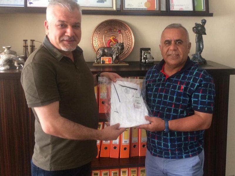 """Ramazan Çimen'in sevilen ve yıllardır sporun içerisinde olan bir isim olduğunu belirten Adana Engelliler Spor Kulübü Başkanı Haluk Birgül, """"Gecesini gündüzüne katarak ekibiyle birlikte kulüpler ile diyaloğunu aralıksız sürdüren Ramazan Çimen bizlerin arzu ettiği başkandır."""