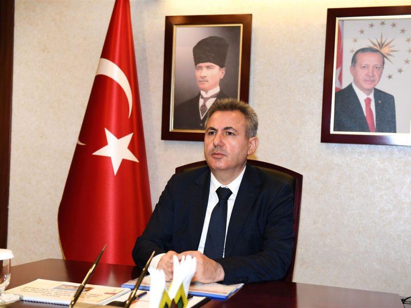 Vali Süleyman Elban, il genelinde eğitimle ilgili gerçekleştirilen tüm çalışmalar hakkında İl Milli Eğitim Müdürlüğünden brifing aldı.
