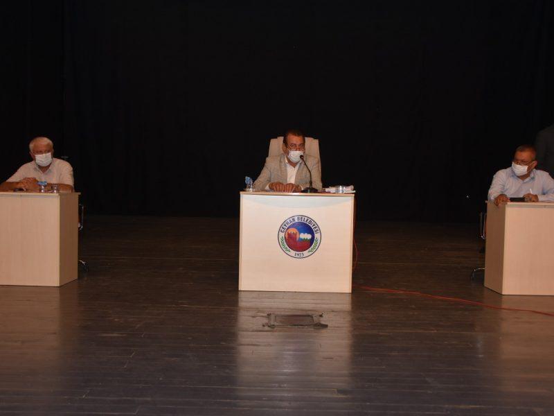 Ceyhan Belediye Meclisi, 5393 sayılı Belediye Kanunu'nun 20. Maddesi gereği 2020 yılı Temmuz ayı olağan toplantısının 1. oturumunu Belediye Başkan Vekili Cemal Gürsel İlci başkanlığında gerçekleştirdi.