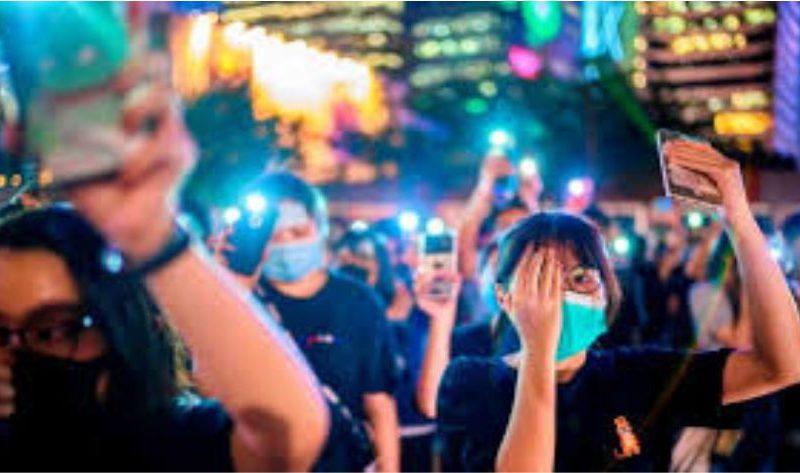 Facebook şeffaflık raporuna göre, Temmuz-Aralık 2019 tarihleri arasında Hong Kong'dan 241 hükümet talebi aldı. Twitter ise ocak-haziran 2019 arasında Hong Kong'dan üç bilgi talebi aldı. Google için bu talep, 2019'un tamamında 106 istek oldu.