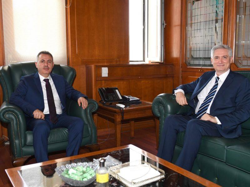 Rektörlerden üniversitelerin genel durumu ve gerçekleştirilen çalışmalar hakkında bilgiler alan Vali Elban